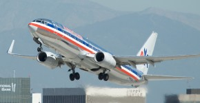 American Airlines 737-800 N966AN